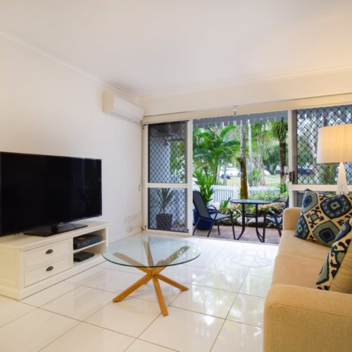 downstairs-apartment-whitehouse-port-douglas-2