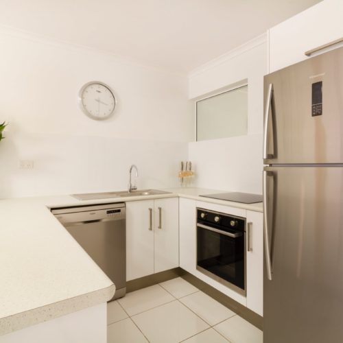 downstairs-apartment-whitehouse-port-douglas-8