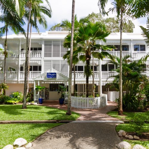the-white-house-port-douglas-resort-4