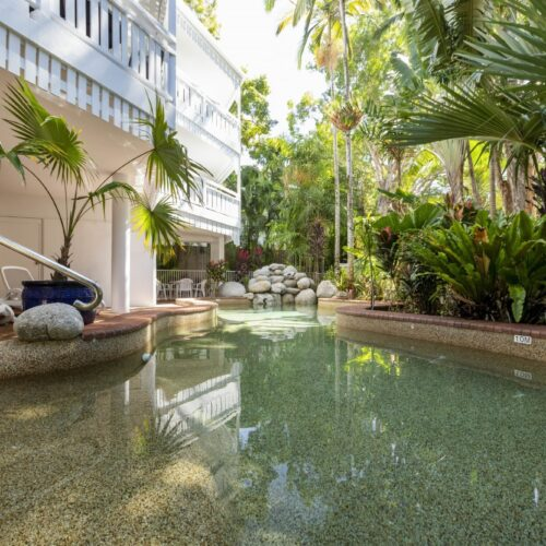 the-white-house-port-douglas-resort-pool-07
