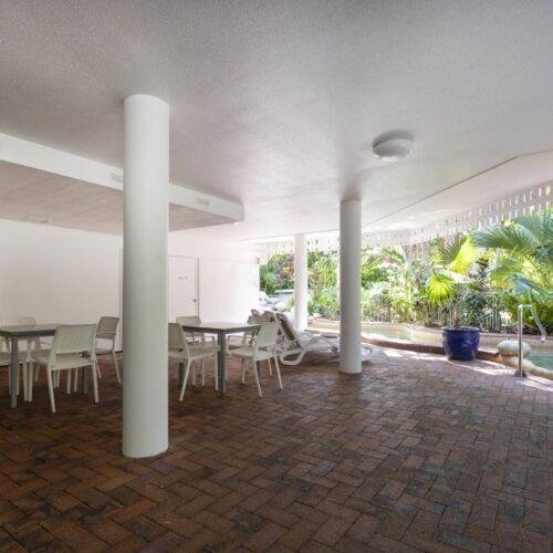 the-white-house-port-douglas-resort-pool-10
